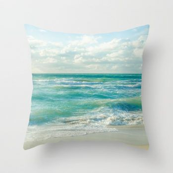 palm-w8g-pillows